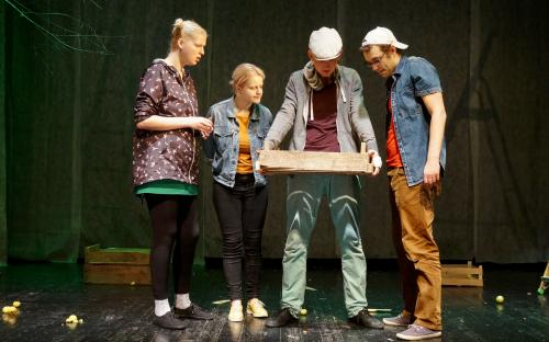 VEEBRUAR: Tudengite Teatripäeva parimateks näitlejateks tunnistati Tartu Üliõpilasteatri noored.