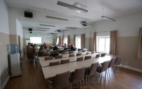 Elukestva õppe keskus kolis Ülikooli kohviku hoonesse.